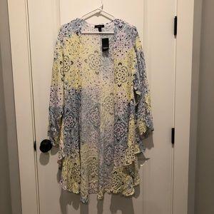 Torrid Medallion Shirttail Kimono NWT Size 1/2
